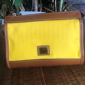 🦆 Dooney & Bourke crossbody bag